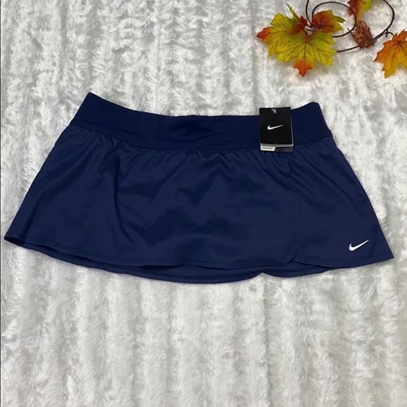 NWT. NIKE tennis skirt size large